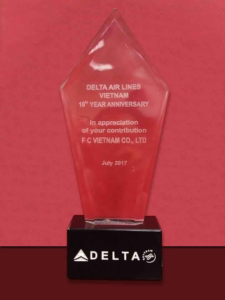 🌸  🌸  🌸Congratulation to F.C Vietnam from Delta Airlines! 🌷 🌷 🌷  🌟 🌟 🌟 10 năm là 1 chặng đường dài với Delta cũng như F.CViệt Nam, một lần nữa những phấn đấu của F.CViệt Nam đã được ghi nhận. Tất cả những thành công của chúng tôi ngày hôm nay, là nhờ có sự ủng hộ hết mình từ Quý khách hàng. 🎄 🎄 🎄 F.CViệt Nam sẽ cố gắng hơn nữa, để ngày càng hoàn thiện, mang đến cho Quý khách hàng những dịch vụ tốt nhất. Một lần nữa chúng tôi xin chân thành cám ơn!