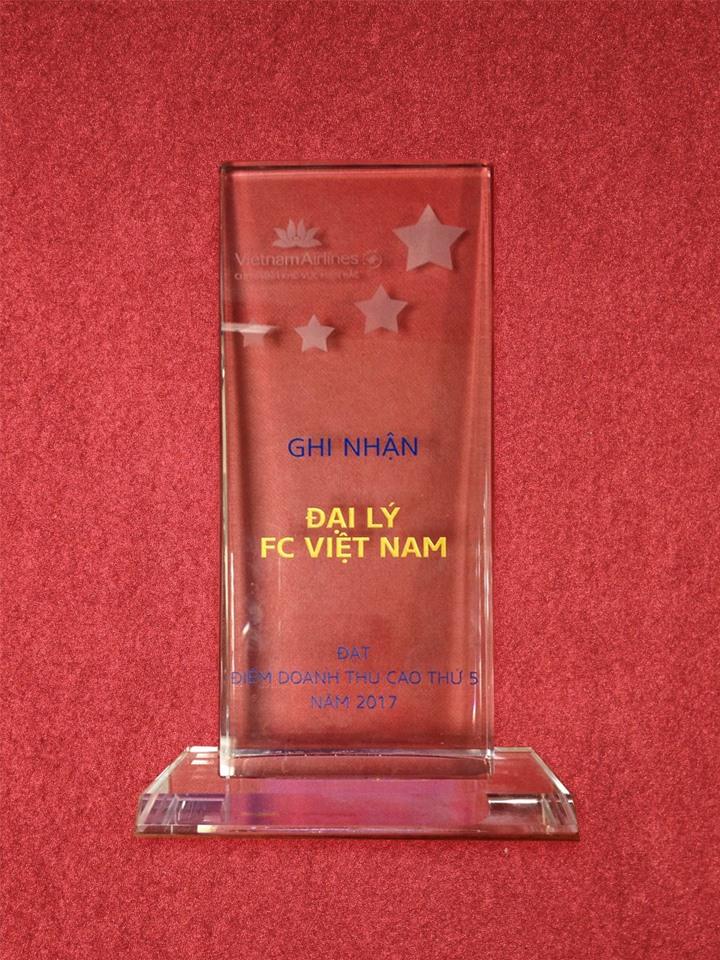 🎁 🎁 🎁 Congratulation to F.C Vietnam from Vietnam Airlines! 🌟 🌟 🌟 🎉 🎉 🎉 Thành quả sau 1 năm cố gắng phấn đấu nỗ lực hết mình của F.C Việt Nam đã được bù đắp thật xứng đáng, với sự ghi nhận sâu sắc từ Vietnam Airlines! Những thành tích mà chúng tôi đạt được ngày hôm nay là nhờ có sự đóng góp to lớn của mọi Quý khách hàng đã đồng hành và ủng hộ F.C Việt Nam trong suốt thời gian qua! F.C Việt Nam xin chân thành cảm ơn Quý khách hàng, rất mong sẽ tiếp tục nhận được sự ủng hộ của Quý khách trong tương lai! 🍀 🍀 🍀